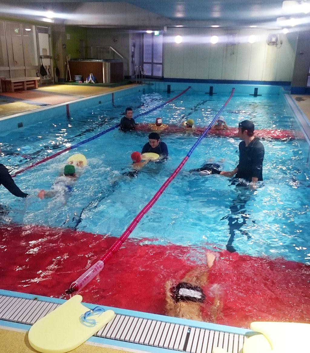 プール療育